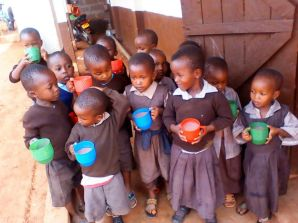 👆Ecde children taking porridge which county Government has supplied to all the schools in the county